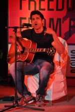 Farhan Akhtar at the 1 Billion Rising concert in Mumbai on 14th Feb 2013 (29).JPG