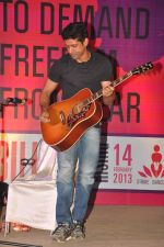 Farhan Akhtar at the 1 Billion Rising concert in Mumbai on 14th Feb 2013 (36).JPG
