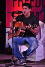 Farhan Akhtar at the 1 Billion Rising concert in Mumbai on 14th Feb 2013 (42).JPG