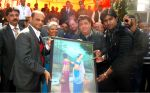 aman trikha getting painting made by inmates at Tihar jail in Delhi on 13th Feb 2013.jpg