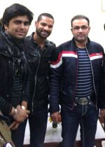 aman trikha,shikhar dhawan & virendra sehwag at Tihar jail in Delhi on 13th Feb 2013.jpg