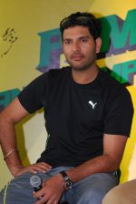 Yuvraj Singh opens registration for PUMA Urban Stampede Mumbai 2013 in Mumbai on 19th Feb 2013 (6).JPG