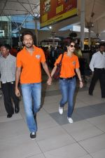 Ritesh Deshmukh, Genelia D Souza with Team Veer Marathi returns from Ranchi in Mumbai on 25th Feb 2013 (16).JPG
