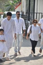 Rohit Roy at sonu nigam_s mom_s funeral in Mumbai on 1st March 2013 (176).JPG