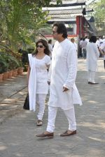 Talat Aziz at sonu nigam_s mom_s funeral in Mumbai on 1st March 2013 (179).JPG