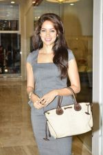 Vidya Malvade at Nisha Jamwal hosts I Casa store launch in Mumbai on 28th Feb 2013 (60).JPG