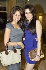 Vidya Malvade, Sagarika Ghatge at Nisha Jamwal hosts I Casa store launch in Mumbai on 28th Feb 2013 (64).JPG