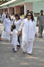 at sonu nigam_s mom_s funeral in Mumbai on 1st March 2013 (164).JPG