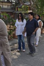 at sonu nigam_s mom_s funeral in Mumbai on 1st March 2013 (181).JPG
