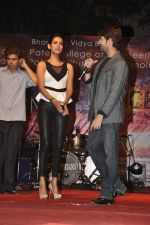 Neil Nitin Mukesh and Sonal Chauhan promote 3G at Bhavans College in Andheri, Mumbai on 1st March 2013 (6).JPG