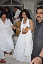 Shilpa Shetty at Sonu Nigam_s mom prayer meet in Mumbai on 3rd March 2013 (84).JPG