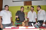 Yuvraj Singh, Shailendra Singh at the launch of Shailendra Singh_s new book in Mumbai on 4th March 2013 (143).JPG