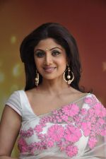 Shilpa Shetty with leading chefs on the sets of Nach Baliye in Filmistan, Mumbai on 5th March 2013 (20).JPG