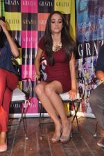 Angela Johnson unveils Grazia special cover issue in Olive, Mumbai on 6th March 2013 (7).JPG