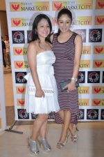 Madhuri Pandey, Anjali Pandey at Model Shamita Singha hosts women_s day special lunch at Grillopolis in Phoniex Market City, Mumbai on 8th March 2013 (92).JPG