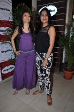 Mini Mathur, Tapur Chatterjee at Haagen Dazs lounge in Bandra, Mumbai on 8th March 2013 (240).JPG