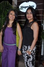 Mini Mathur, Tapur Chatterjee at Haagen Dazs lounge in Bandra, Mumbai on 8th March 2013 (242).JPG