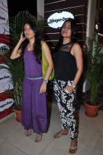 Mini Mathur, Tapur Chatterjee at Haagen Dazs lounge in Bandra, Mumbai on 8th March 2013 (241).JPG