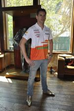 Kingfisher Premium brings Sahara Force India drivers closer to fans in Mumbai on 9th March 2013 (3).JPG