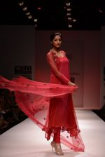 Model walks for Chandrani, Mrinalini, Dhruv-Pallavi Show at Wills Fashion Week 2013 Day 5 on 17th March  (115).JPG