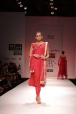 Model walks for Chandrani, Mrinalini, Dhruv-Pallavi Show at Wills Fashion Week 2013 Day 5 on 17th March  (118).JPG