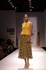 Model walks for Chandrani, Mrinalini, Dhruv-Pallavi Show at Wills Fashion Week 2013 Day 5 on 17th March  (15).JPG