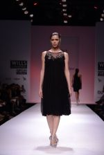 Model walks for Chandrani, Mrinalini, Dhruv-Pallavi Show at Wills Fashion Week 2013 Day 5 on 17th March  (155).JPG
