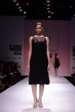 Model walks for Chandrani, Mrinalini, Dhruv-Pallavi Show at Wills Fashion Week 2013 Day 5 on 17th March  (157).JPG