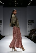 Model walks the ramp for Myoho Show at Wills Lifestyle India Fashion Week 2013 Day 5 in Mumbai on 17th March 2013 (108).JPG