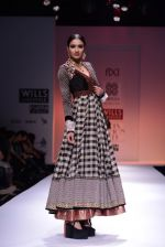 Model walks the ramp for Virtues Show at Wills Lifestyle India Fashion Week 2013 Day 5 in Mumbai on 17th March 2013 (44).JPG