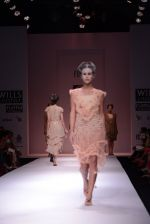 Model walks the ramp for Rehane Show at Wills Lifestyle India Fashion Week 2013 Day 5 in Mumbai on 17th March 2013 (10).JPG