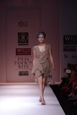 Model walks the ramp for Rehane Show at Wills Lifestyle India Fashion Week 2013 Day 5 in Mumbai on 17th March 2013 (20).JPG