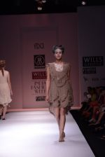 Model walks the ramp for Rehane Show at Wills Lifestyle India Fashion Week 2013 Day 5 in Mumbai on 17th March 2013 (21).JPG