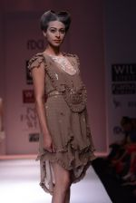 Model walks the ramp for Rehane Show at Wills Lifestyle India Fashion Week 2013 Day 5 in Mumbai on 17th March 2013 (24).JPG