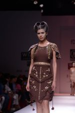 Model walks the ramp for Rehane Show at Wills Lifestyle India Fashion Week 2013 Day 5 in Mumbai on 17th March 2013 (30).JPG