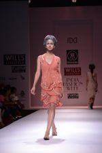 Model walks the ramp for Rehane Show at Wills Lifestyle India Fashion Week 2013 Day 5 in Mumbai on 17th March 2013 (34).JPG