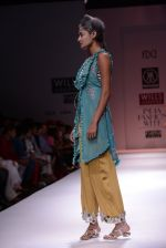 Model walks the ramp for Rehane Show at Wills Lifestyle India Fashion Week 2013 Day 5 in Mumbai on 17th March 2013 (45).JPG