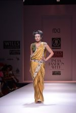 Model walks the ramp for Rehane Show at Wills Lifestyle India Fashion Week 2013 Day 5 in Mumbai on 17th March 2013 (46).JPG