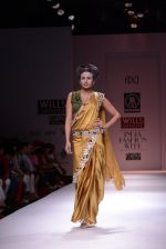 Model walks the ramp for Rehane Show at Wills Lifestyle India Fashion Week 2013 Day 5 in Mumbai on 17th March 2013 (47).JPG
