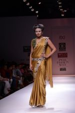 Model walks the ramp for Rehane Show at Wills Lifestyle India Fashion Week 2013 Day 5 in Mumbai on 17th March 2013 (49).JPG