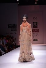 Model walks the ramp for Rehane Show at Wills Lifestyle India Fashion Week 2013 Day 5 in Mumbai on 17th March 2013 (57).JPG