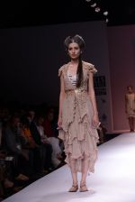 Model walks the ramp for Rehane Show at Wills Lifestyle India Fashion Week 2013 Day 5 in Mumbai on 17th March 2013 (8).JPG