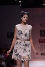 Model walks the ramp for Rehane Show at Wills Lifestyle India Fashion Week 2013 Day 5 in Mumbai on 17th March 2013 (83).JPG