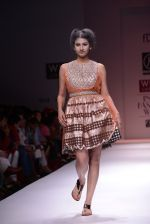 Model walks the ramp for Rehane Show at Wills Lifestyle India Fashion Week 2013 Day 5 in Mumbai on 17th March 2013 (89).JPG