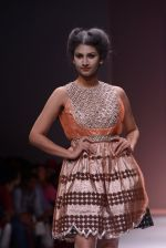 Model walks the ramp for Rehane Show at Wills Lifestyle India Fashion Week 2013 Day 5 in Mumbai on 17th March 2013 (92).JPG