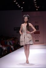 Model walks the ramp for Rehane Show at Wills Lifestyle India Fashion Week 2013 Day 5 in Mumbai on 17th March 2013 (99).JPG