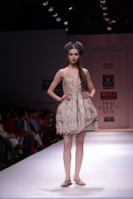 Model walks the ramp for Rehane Show at Wills Lifestyle India Fashion Week 2013 Day 5 in Mumbai on 17th March 2013 (100).JPG