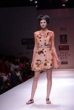 Model walks the ramp for Rehane Show at Wills Lifestyle India Fashion Week 2013 Day 5 in Mumbai on 17th March 2013 (86).JPG