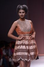 Model walks the ramp for Rehane Show at Wills Lifestyle India Fashion Week 2013 Day 5 in Mumbai on 17th March 2013 (91).JPG