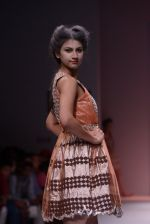 Model walks the ramp for Rehane Show at Wills Lifestyle India Fashion Week 2013 Day 5 in Mumbai on 17th March 2013 (95).JPG